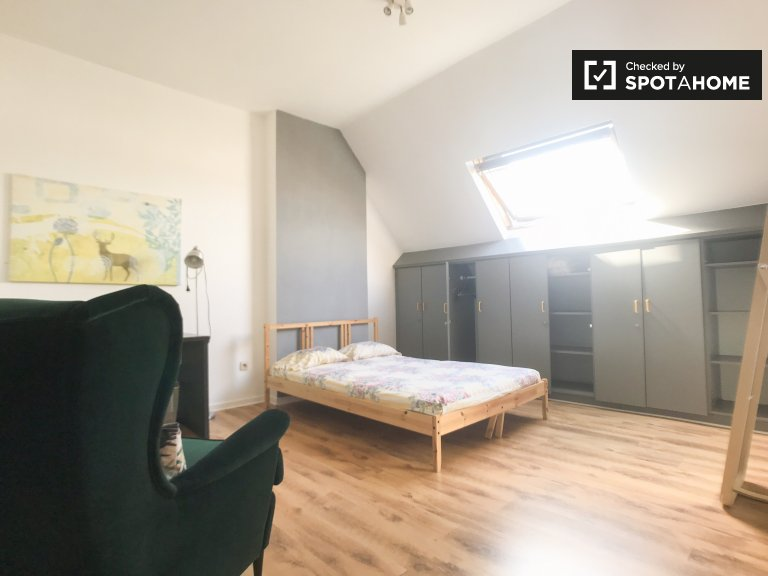 Balkonlu kiralık oda - Schaerbeek, Brüksel
