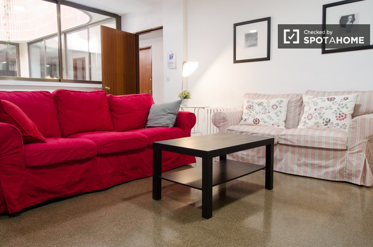 Rooms for rent in residence, Extramurs, Valencia