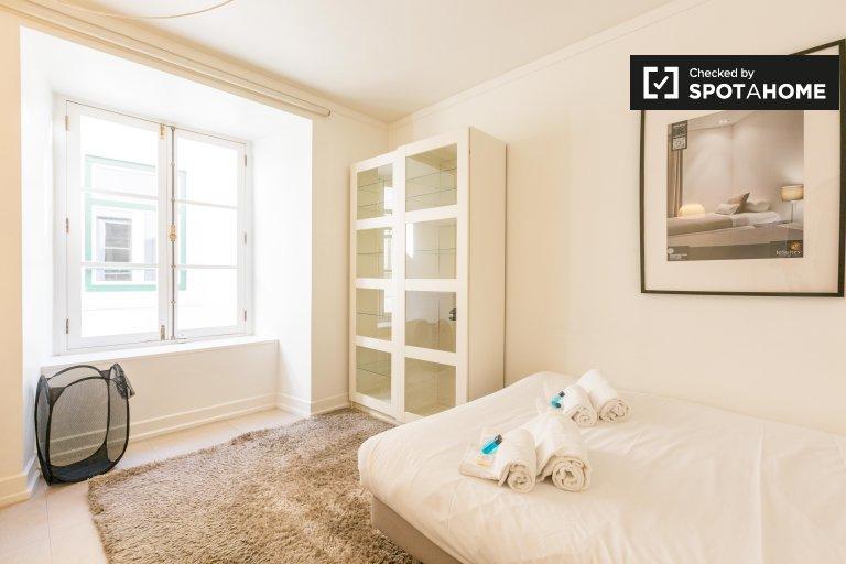 Room for rent in 6-bedroom flat in Rossio e Restauradores