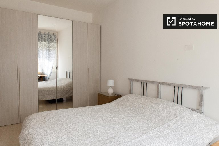 Uroczy 3-pokojowy apartament do wynajęcia w Appio Latino, Rzym