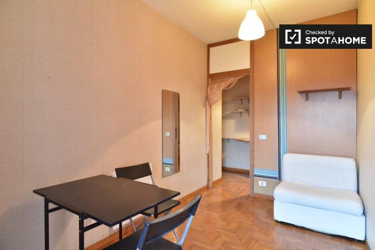 Appartement confortable d'1 chambre à louer à Rome 70, Rome