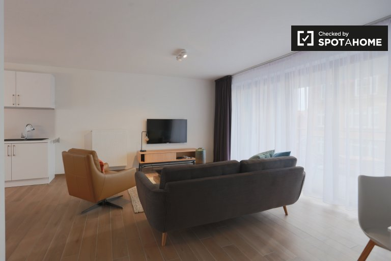 Chic 2-bedroom apartment for rent in Auderghem, Brussels