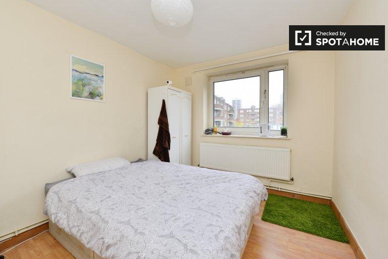 Cozy room in 5-bedroom flatshare in Hoxton, London
