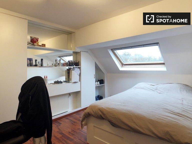 Accogliente camera in affitto, appartamento con 2 camere da letto, Woluwe-Saint-Pierre