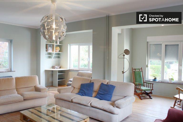 Wezembeek-Oppem, Brüksel'de kiralık 3 yatak odalı ev