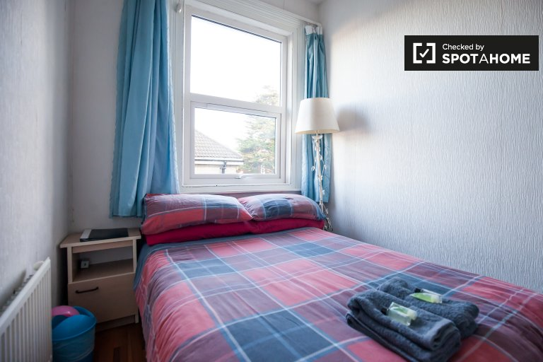 Double room for rent, 6-bedroom house, Stoneybatter, Dublin