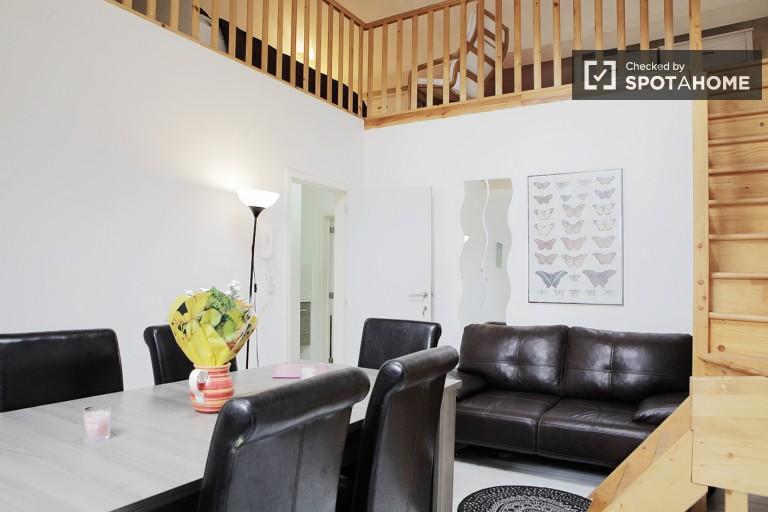 Bedroom 1 - Penthouse room in central EU area, Place Jourdan