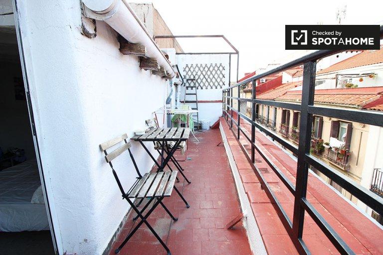 Ausgestattete Zimmer in 2-Zimmer-Wohnung in Chueca, Madrid