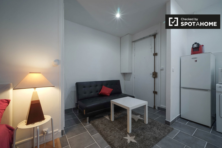 Studio apartment for rent in the 17th arrondissement, Paris