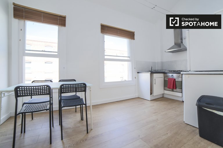 Lovely 2-bedroom apartment to rent in Lambeth, London