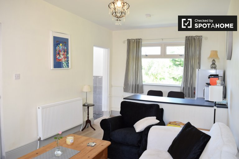 1-bedroom apartment  for rent in 5-bedroom house in Dublin