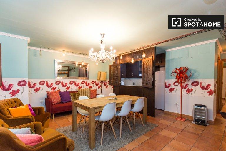 Central 2-bedroom apartment for rent in Realejo, Granada