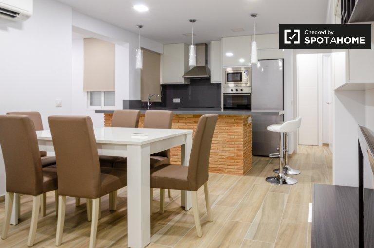 Apartamento de 3 dormitorios en alquiler en Poblats Marítims, Valencia