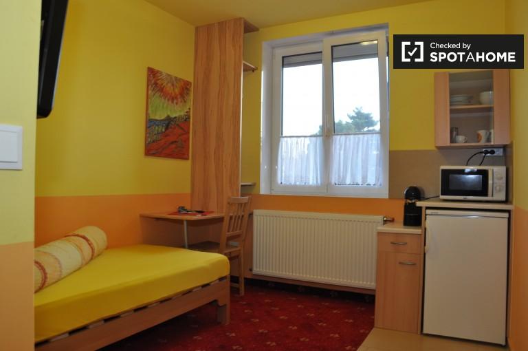 Cosy studio apartment for rent in Favoriten