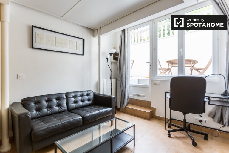 Charming studio apartment for rent in Pont de Bezons