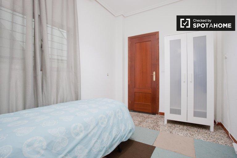 Interior room in 5-bedroom apartment in San Pablo