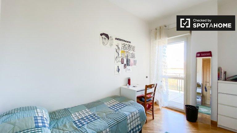Zimmer zu vermieten in Wohnung mit 2 Zimmern in Tiburtina, Rom