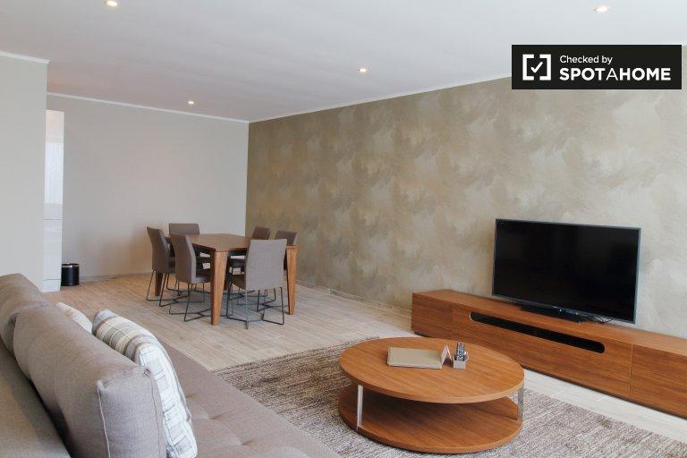 Apartamento de 2 quartos calmo para alugar no centro da cidade de Bruxelas