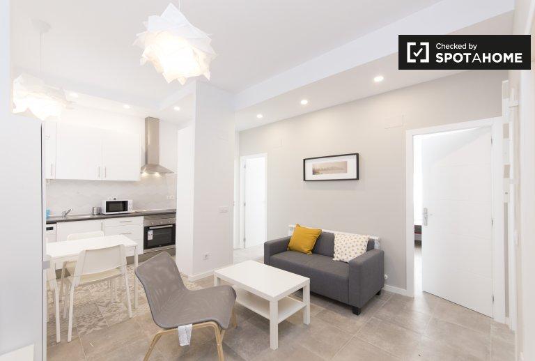 Apartamento de 4 quartos para alugar em Aluche, Madrid