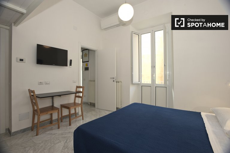 Apartamento de 1 dormitorio en alquiler en Porta Pia, Roma