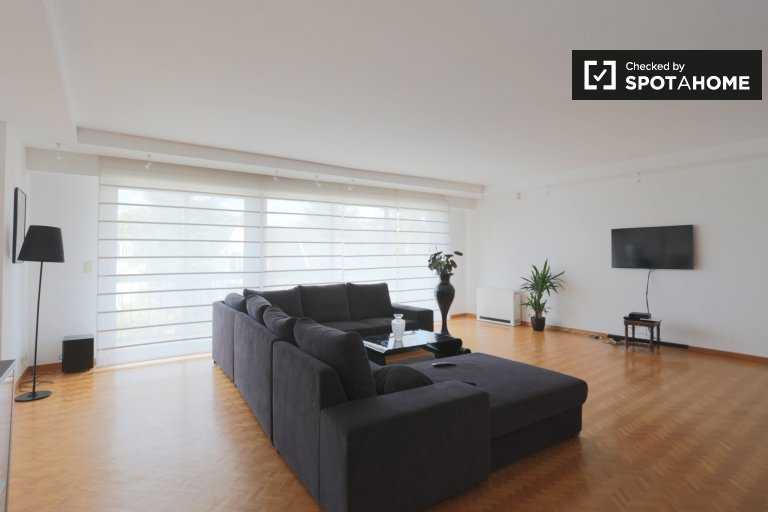 Spacious 3-bedroom apartment for rent in Uccle, Brussels