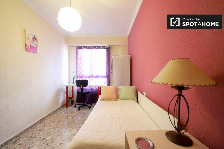 Quarto para alugar em apartamento de 3 quartos em Mislata, Valência