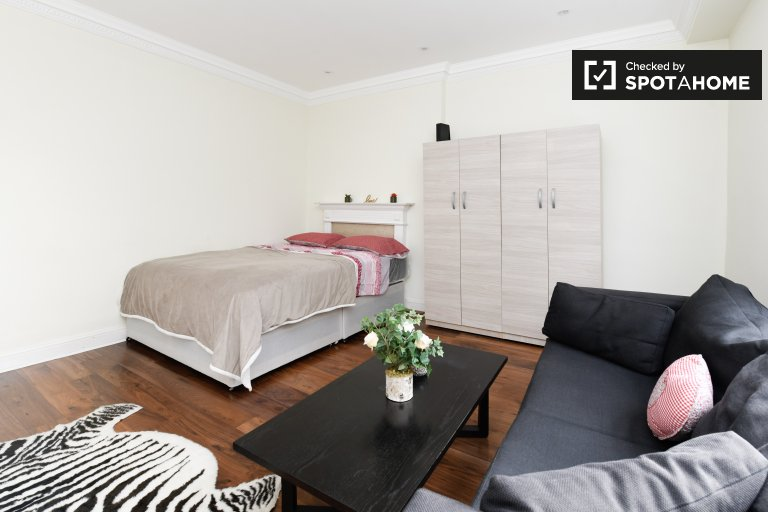 Spacious room to rent in Kensington & Chelsea, London