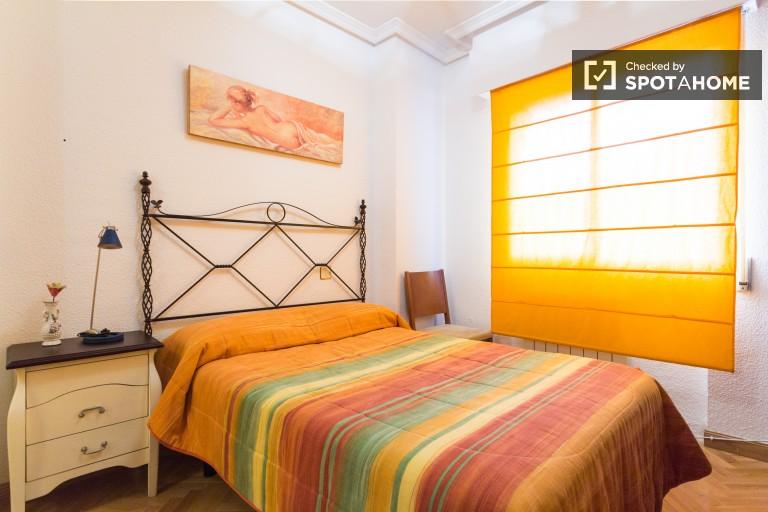 Chambre décorée dans un appartement partagé à Carabanchel, Madrid