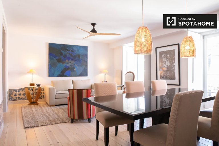 Chic 2-bedroom apartment for rent in Baixa, Lisbon