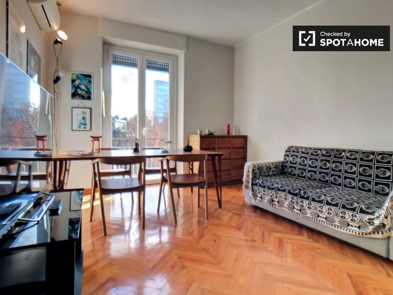 Sunny 1-bedroom apartment for rent in Sempione, Milan