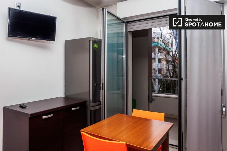 Modern 1-bedroom apartment with balcony in Gorla, Milan