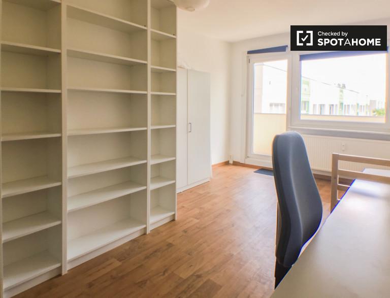 Excellent room in apartment in Marzahn-Hellersdorf, Berlin