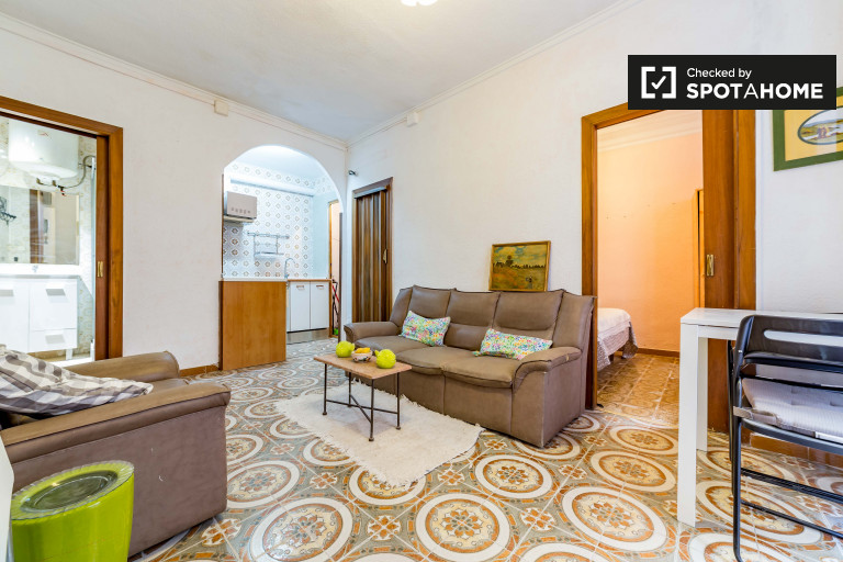 Lovely 2-bedroom apartment for rent in Ciutat Vella