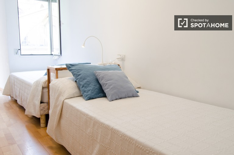 Beautiful 2 Bedroom Flat for Let in LEixample - Valencia