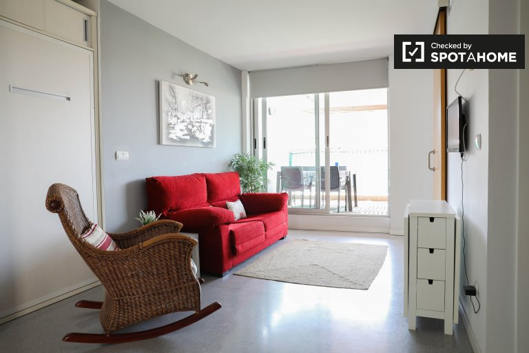 Modern studio for rent in La Olivereta, Valencia