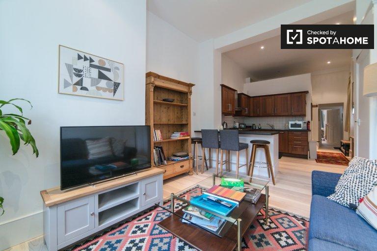 Nowoczesne mieszkanie z 1 sypialnią do wynajęcia w Kilburn, Londyn