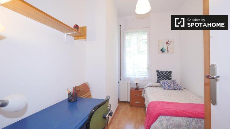 Przytulny pokój w apartamencie z 4 sypialniami w Esquerra Eixample