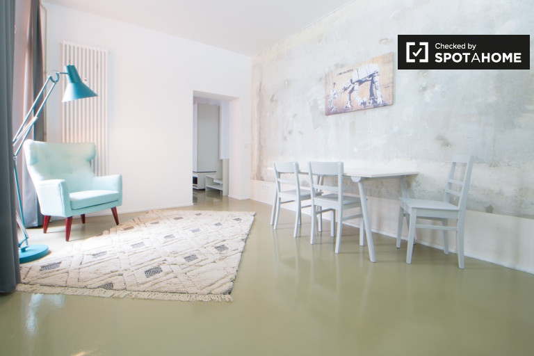 Bright studio apartment for rent in Friedrichshain, Berlin