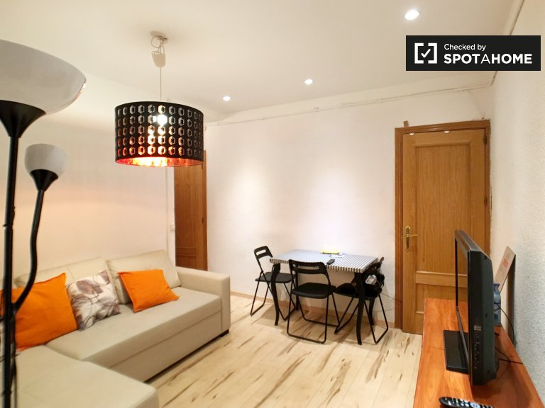 Classic 3-bedroom apartment for rent in Atocha, Madrid