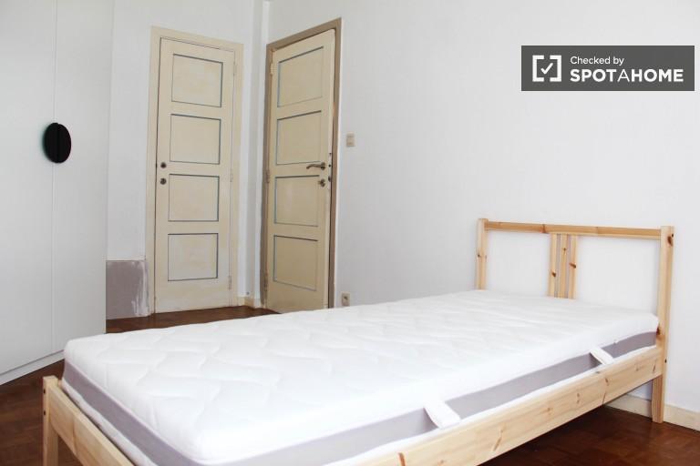 Bedroom 3 with single bed and en-suite bath