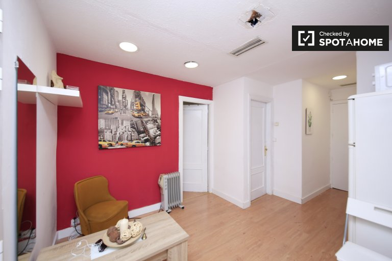 Funky 2-bedroom apartment for rent in Malasaña, Madrid