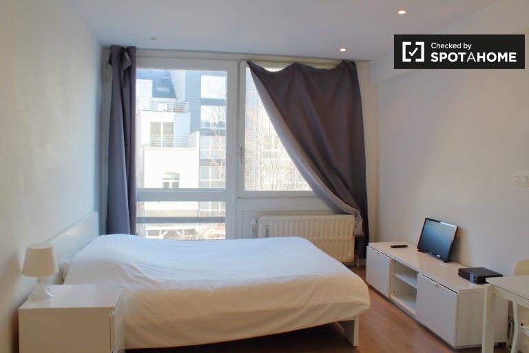 Apartamento luminoso para alugar em Ixelles, Bruxelas