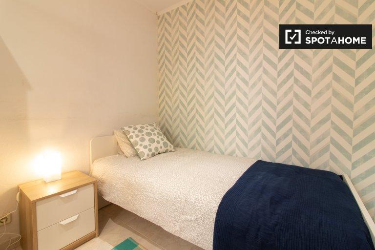 Przytulny pokój do wynajęcia w 5-pokojowym domu, Restelo, Lizbona