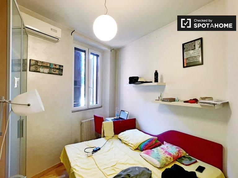 Quarto para alugar com 2 quartos apartamento para alugar em Navigli, Milão