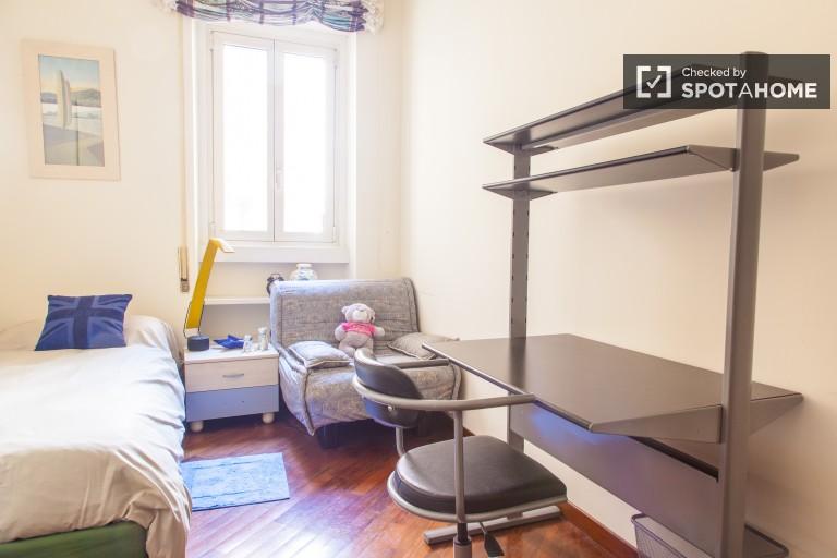 Habitación individual en apartamento en el barrio de Trastevere, Roma
