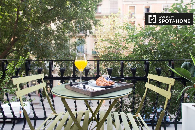 Studio apartment for rent in Eixample Esquerra, Barcelona
