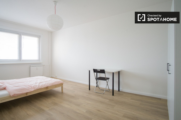 Large room in apartment in Lichtenberg, Berlin
