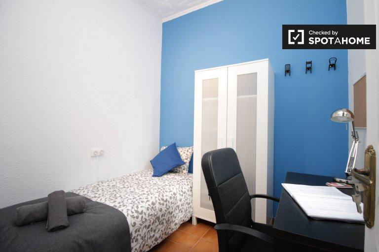 Chambre accueillante dans un appartement de 3 chambres à l'Eixample, Barcelone