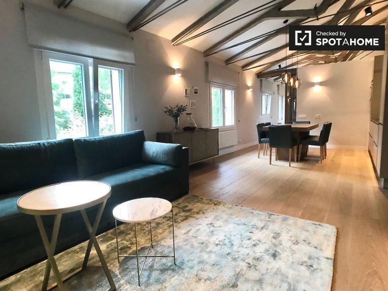 Stylowy apartament z 2 sypialniami do wynajęcia, Hortaleza, Madryt