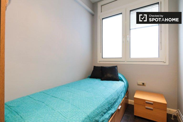Quarto para alugar em apartamento de 3 quartos na Horta-Guinardó